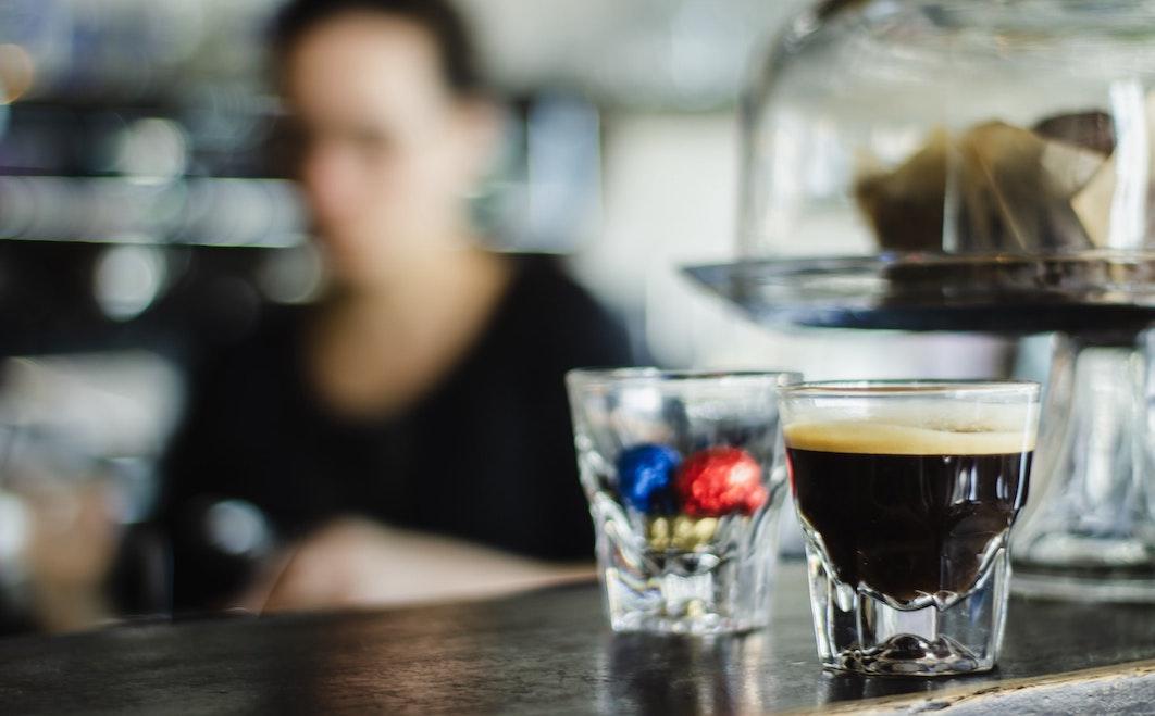 Chi ha ucciso il caffè italiano? Andrej Godina a caccia del colpevole 2/Il barista